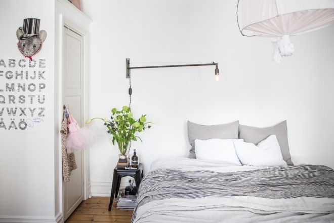 casa lámpara tela blanca 14