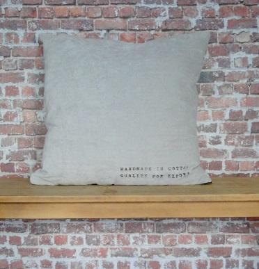 Almohadón Terciopelo Gris Perla Sittard 60 por 60 cm