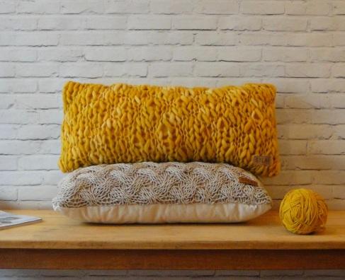 almohadon teido Girona mostaza 2